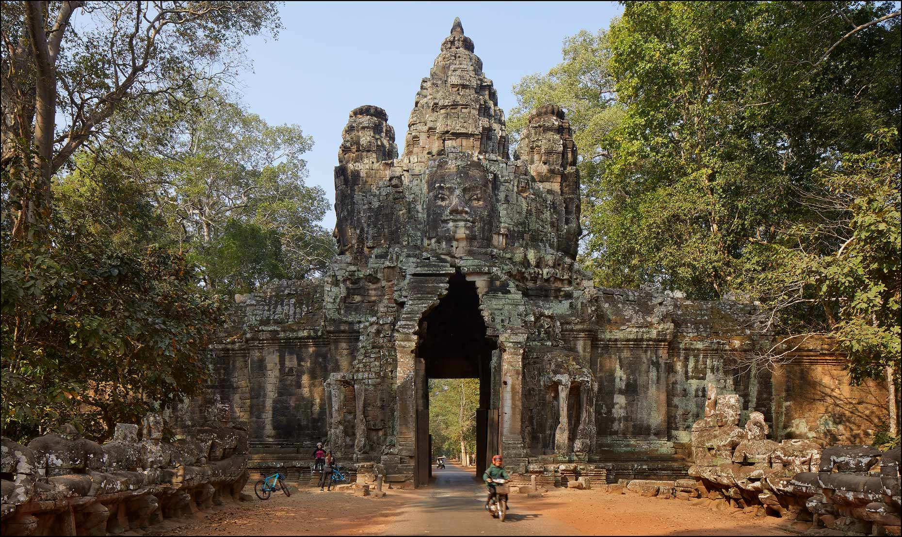 10_3250D-05G-Angkor-Thom-North-Gate_9084rc
